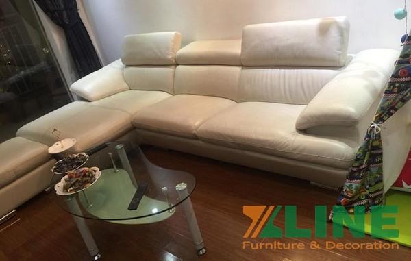 Sofa giả da màu trắng kem