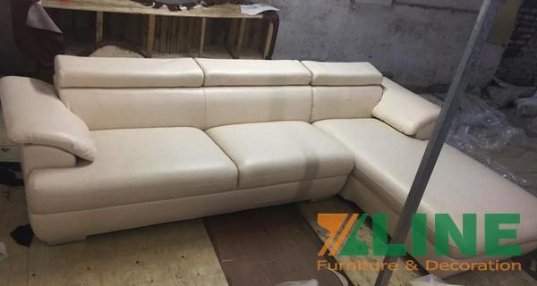 Mẫu sofa giả da màu kem